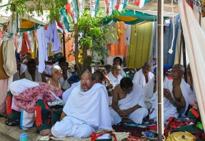 Pengarah Urusan Batuta bersama jemaah di padang arafah